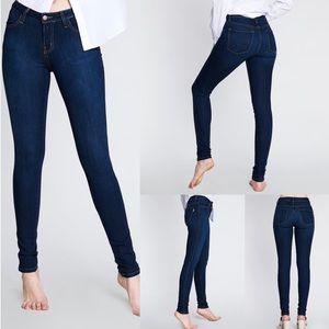 Denim - Mid-rise skinny jeans
